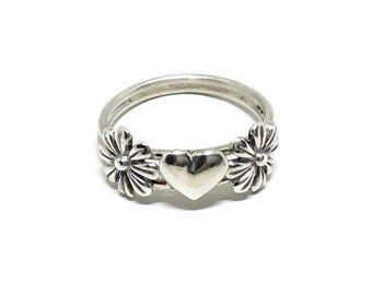 Sterling Silver Daisy Heart Ring, Handcrafted Ring, .925 Sterling, Romantic Ring, Statement Ring