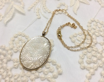 Handmade Carved Mother of Pearl Chrysanthemum Pendant and Chain