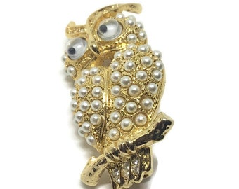 Vintage Faux Pearl Googly Eye Owl Brooch, Goldtone Setting, owl Lovers and Collectors