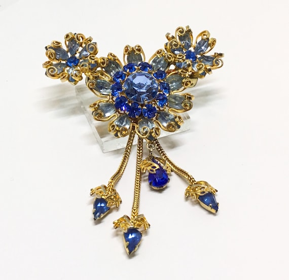 Vintage  Floral Brooch with Dangles, Three Flowers, Shades of Blue Rhinestones, Blue Rhinestone Chain Dangles, Rhinestone Jewelry