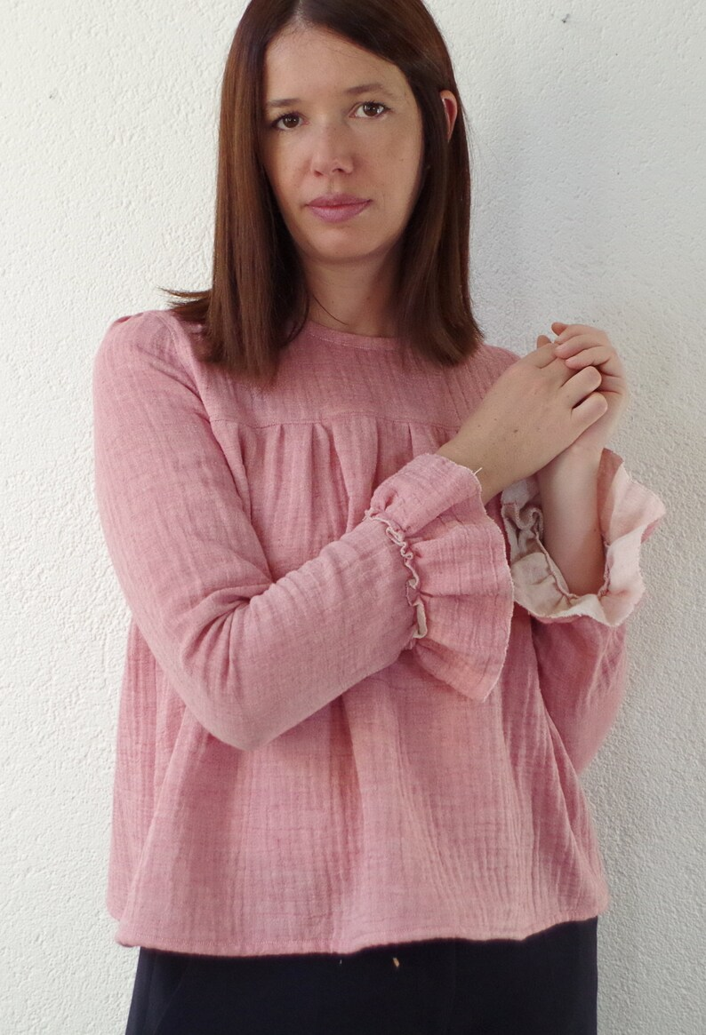 Blouse loose fit with flared cuffs in coral pink cotton gauze. image 0