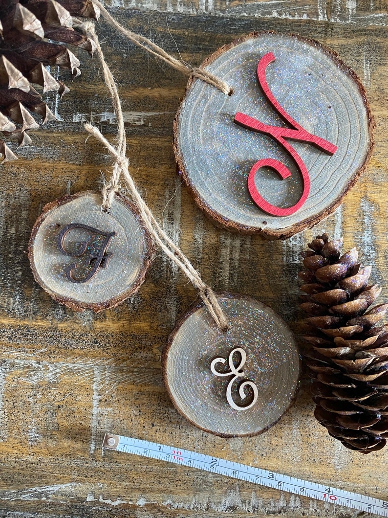Twine Hang Strap Included Gift Tag. Wood Slice Stained Gray and White with Glitter Accent Rustic Monogram /'E/' Holiday Christmas Ornament
