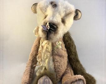Mädchen hat Sex Teddybär
