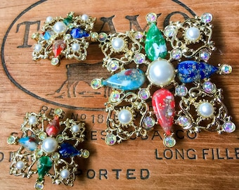 Beautiful Vintage Sarah Coventry Demi Parure, Brooch and earrings circa 1960's