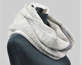 Men's knit scarf, Grey scarf, Handmade infinity scarf, Circle scarf, Gift for him, Gift for her, Cowl scarf, Winter scarves, Gift for men