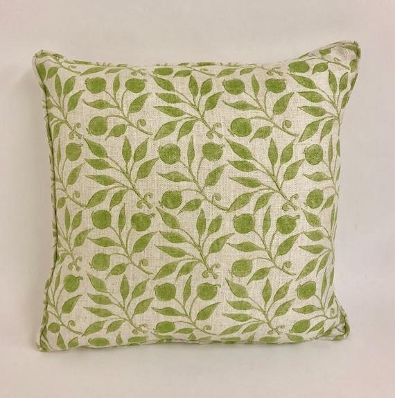 """William Morris /&Co Morris /""""ROSEHIP/"""" INDIGO Cushion Cover Designer Fabric"""