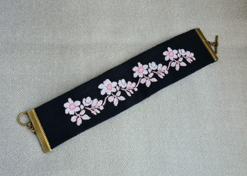 Linen jewelry Floral bracelet Nature bracelet White flower bracelet Fabric boho bracelet Cross stitch jewelry Holiday gift for girl