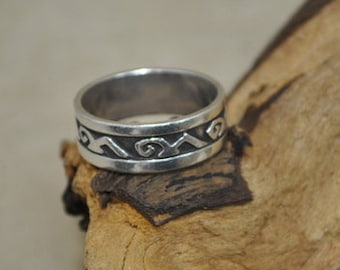 Sterling Silver Patterned Band - Size 12 1/4