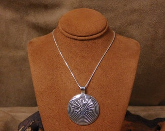 10754728e75b Vintage Sterling Silver Overlay Man in the Maze Necklace