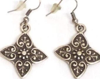 Hema Flower Earrings, .925 Silver, Hand Crafted Earrings. 5.3 Grams, Turkey