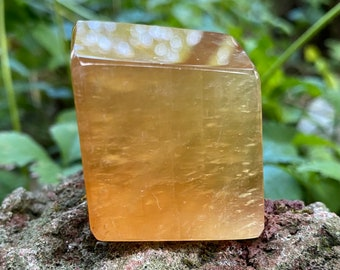 Rainbow Amber Calcite, Polished, Rainbows, 66.90 Grams, India, CR9039