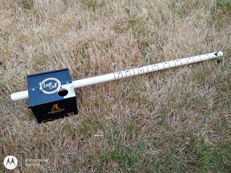 Diddley Bow/Cigar Box Electric Piezo/Volume control b70 image 0