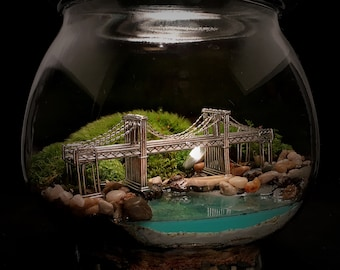 Brooklyn Bridge Terrarium // NYC Terrarium // Moss Terrarium // Large Terrarium // Terrarium // New York City // Brooklyn // Apartment Decor
