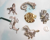 Large Animal Pins Brooches Lion Tiger Horse Cat Zebra Zoo Heavy Metal Brooches Pins Rhinestones Christmas Ornament Silver and Gold Tone