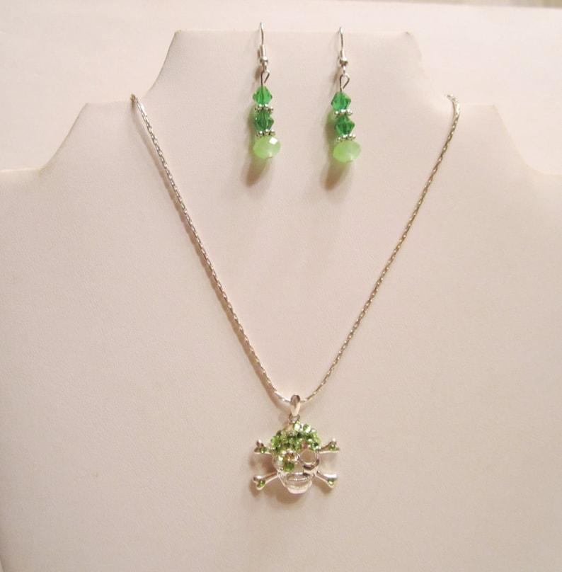 K#68 Vintage Art Deco Style Glass Beads Aurora Borealis Round Dimensional Necklace Jewelry