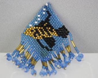 pins, fish pins, hand made jewelry, handmade jewelry, beaded pins, beaded fish, beaded jewelry, beaded brooches