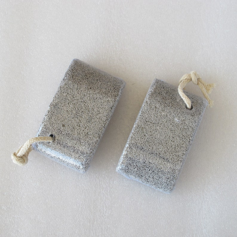 Pumice stone with string smooth feet image 0