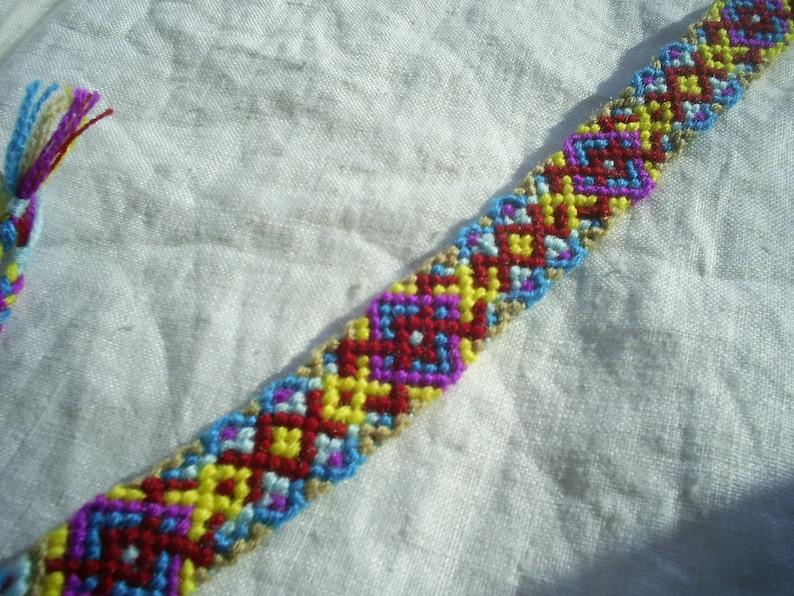 Friendship Bracelet Celtic kwoven.Braided.Knoted bracelet.Celtic jewelry.Handmade love gift.endless love bracelet.Celtic knot Folk gift.Sun