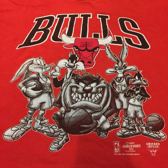 Vintage 1990's Chicago Bulls Looney Tunes T-Shirt - image 2