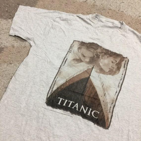 Vintage 90s Titanic Films 1998 T-Shirt