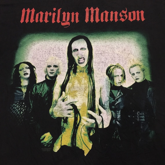 Vintage 2000's Marilyn Manson T-Shirt (Rare) - image 2