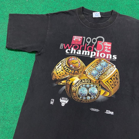 Vintage 1990's Chicago Bulls NBA Champions 1993 T-