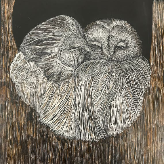 Hoos Smooching?  Snuggling scratchboard owls!