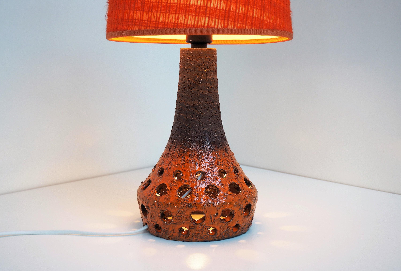 Lampada Da Tavolo In Ceramica Con Base E Tonalita Arancione