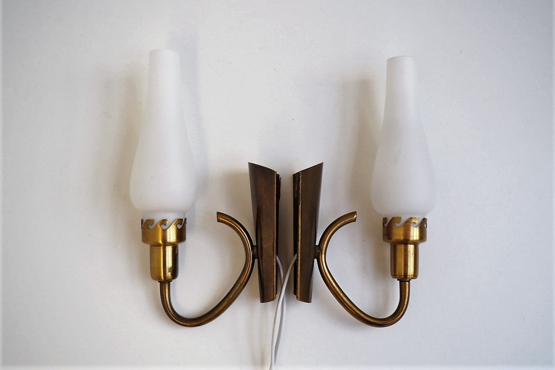 Set of rare brass sconce with decorative opal glass shade - Danish mid century lighting from Fog Morup, 1940s - 1950s