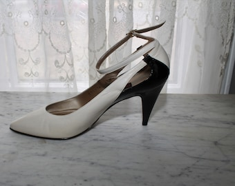 c190c0598e4 Vintage 70s 80s Black Patent Leather Pumps Heels Shoes Off White Light  Beige Size US Womens 8.5 Ankle Strap Disco Two Tone Color Block