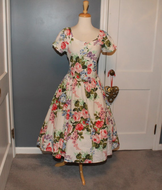 80s does 50s Summer Cotton Roses Garden Party Dres