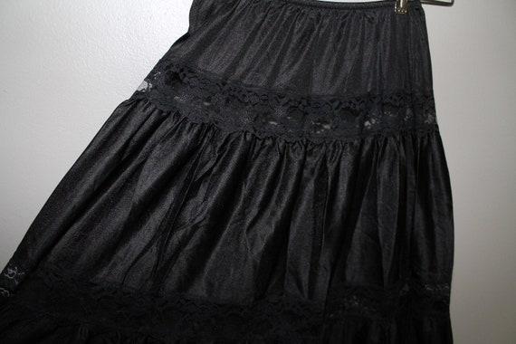 Vintage 50s 60s Black Lace Tiered Half Slip Medium Gothic Goth  dac6ff668