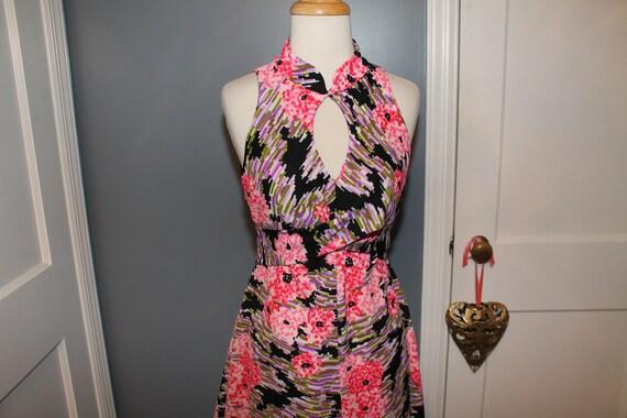 Vintage 60s 70s Black Pink Polyester Knit Key Hole
