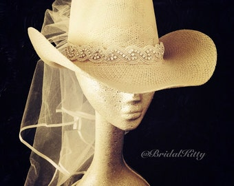 64efa92c2ff Country Bachelorette Party Western Cowgirl Hat Veil Crystal Headband Tiara  Crown Bridal Shower White Bride To Be Hen Party Texas Wedding