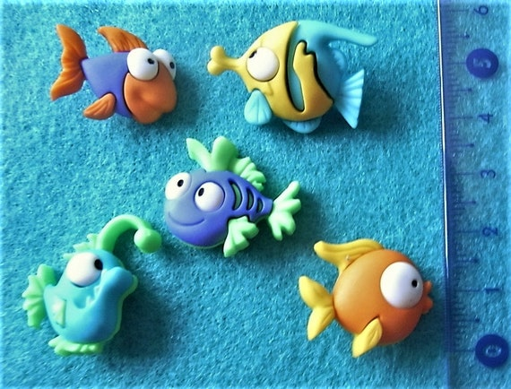 Fish Sea Creatures Sealife Tropical Dress It Up Craft Buttons SOMETHING FISHY