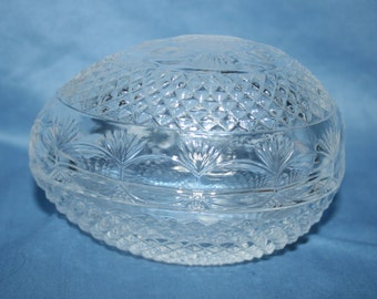 Vintage AVON FOSTORIA Mothers Day Crystal Egg Shaped Soap Dish 1977 Trinket Dish Jewelry Ring Dish Candy Dish Knick Knack