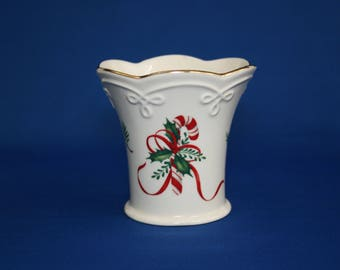 Vintage Lenox China Candy Cane Tea Light Fluted Cup Candle Holder 24kt Gold holiday tealight votive cup Christmas Holidays with Candle