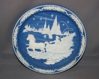Vintage Home with the Tree Premiere (1st) Plate in the Christmas Cameos by Incolay Studios – Made in USA Holiday Horse Sleigh Ride