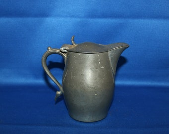 Vintage Pewter Lidded Creamer International Silver Co INSICO Pewter Syrup Pitcher circa 1920's Teapot Coffee Pot Tea Metalware Shabby Chic
