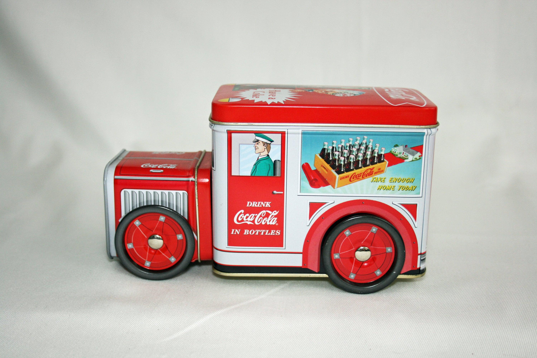 Coca-Cola Coke Decorative Metal Collectable Truck Handkerchief Tin from 1995 NWT