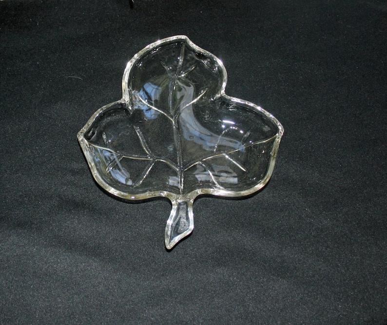 Vintage 3 Leaf Glass Dish Set of 2 Glass Dishes Relish Dish Trinket Dish Candy Dish Bowl Home Decor Plate Mint Dish Jewelry Dish