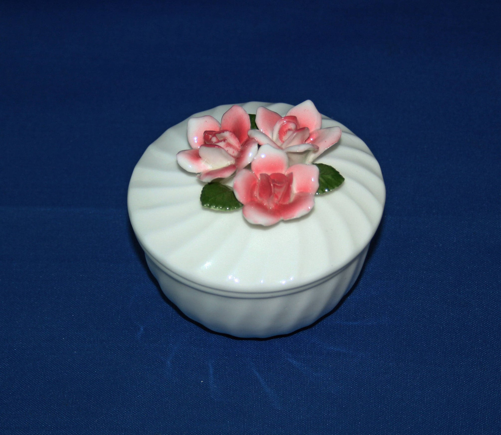 Vintage Square White Porcelain Lidded Trinket Box with Red Yellow /& Pink 3 Dimensional Roses Floral Jewelry Ring Box Container Knick Knack