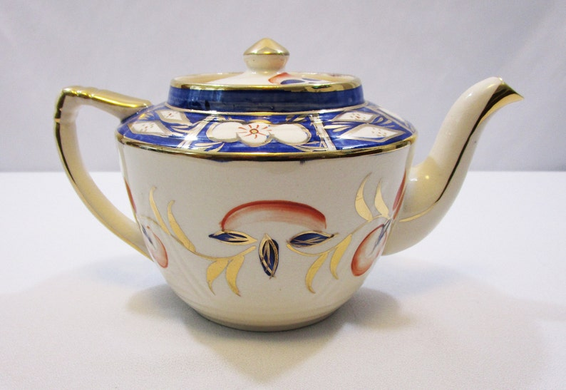 Vintage Teapot Arthur Wood and Sons Hand Painted Peach Gold and Blue 32 ounce Tea Pot with Gold Gilding Imari style coloring circa 1954