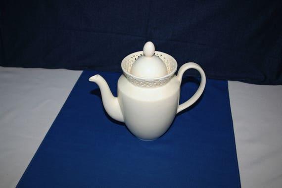 Schöne Alte Kaffeekanne Von I Godinger Co In Creme Lace Muster Ca 1990er Jahre Teekanne Schokolade Kanne Tee Kanne Englischen Frühstück Kaffee