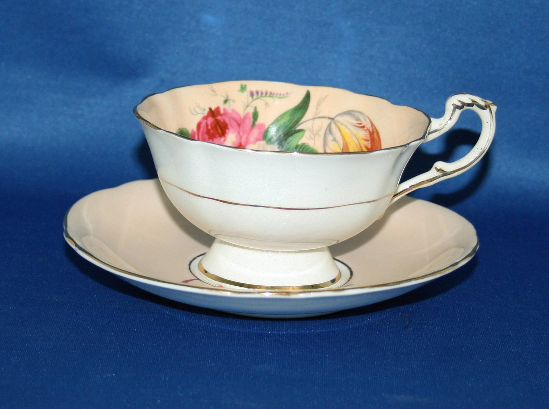 Vintage Paragon Cream Floral Teacup and Saucer by Royal Appointment for The Queen Elizabeth /& H.M Queen Mary English Tea Cup Garden Party