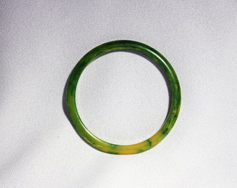 Vintage Bangle Bracelet Bakelite Plastic Marbled Chartreuse Bangle Bracelet Circa 1930's / 40's Lime Green Yellow Jewelry Bracelet