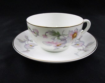 Antique TK Thun Teacup and Saucer Fine Bone China Tea Cup Set Cindy Pattern Made in Bohemia Czechoslovakia Coffee Cup Vintage
