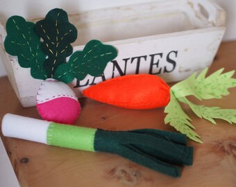 SET:3items.FELT Food.Carrot,Radish,Leek.Ornament.Kitchen decorations.Felt toy.Centerpiece.Gift.Green idea.Refined details.Country style.