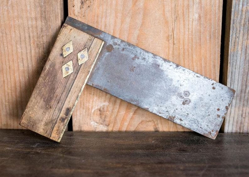 37e66c0a6795 Prueba Vintage antigua escuadra herramienta madera latón