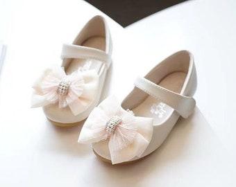 b2c2631bdd05f Flower girl shoes | Etsy